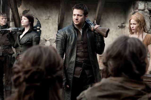 Jeremy Renner, Gemma Arterton - Still 6 - Hansel & Gretel: Witch Hunters