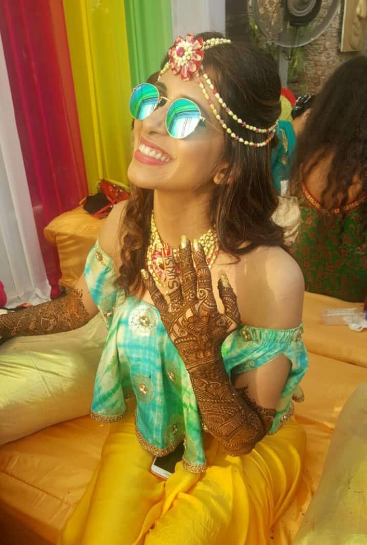 Kishwer Merchantt Mehendi Ceremony Photos - एक्ट्रेस किश्वर मर्चेंट का मेहँदी फंक्शन था एकदम हटके !