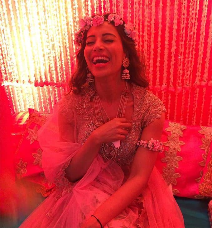 बिपाशा बसु और करण सिंह ग्रोवर की शादी की तैयारियां शुरू, देखिये तसवीरें यहाँ !