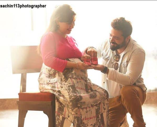 In Pictures: Yeh Rishta Kya Kehlata Hai's Varsha AKA Pooja Joshi Looks Radiant In Her Maternity Photoshoot!
