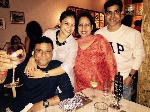 'द कपिल शर्मा शो' की एक्ट्रेस सुमोना चक्रबर्ती के जन्मदिन की ये तस्वीरें आपने देखीं?