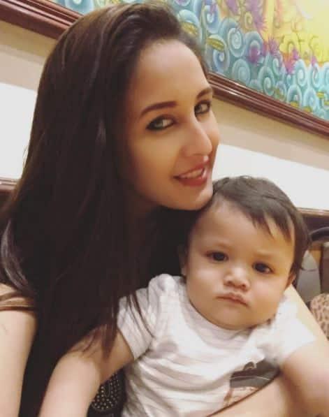 एक बार फिर माँ बनने वाली हैं टीवी एक्ट्रेस चाहत खन्ना !