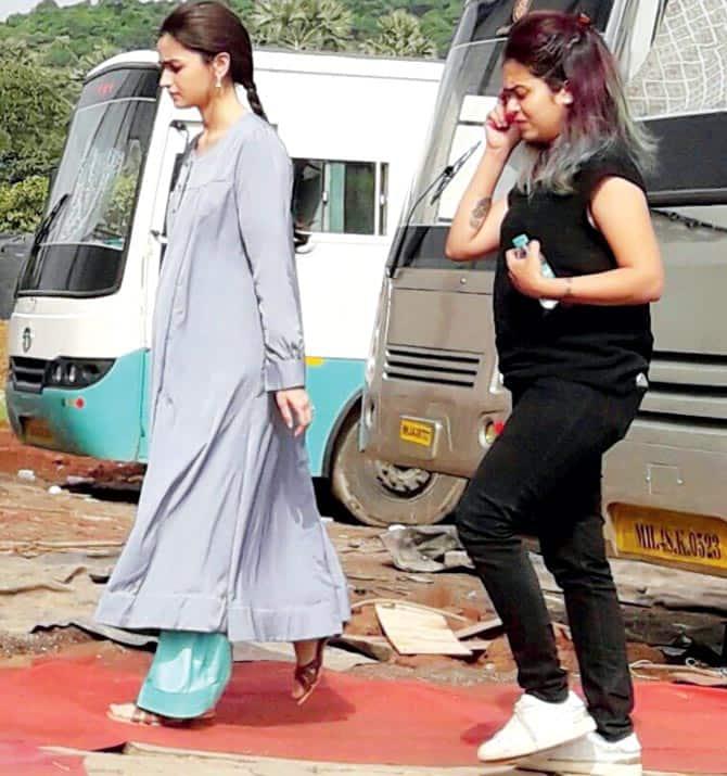 गुरमीत राम रहीम के लिए हो रहे दंगों के चलते पटियाला में फँसी एक्ट्रेस आलिया भट्ट !