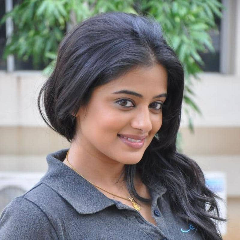 Here is EVERYTHING should know about the Pan Indian actress PRIYAMANI.