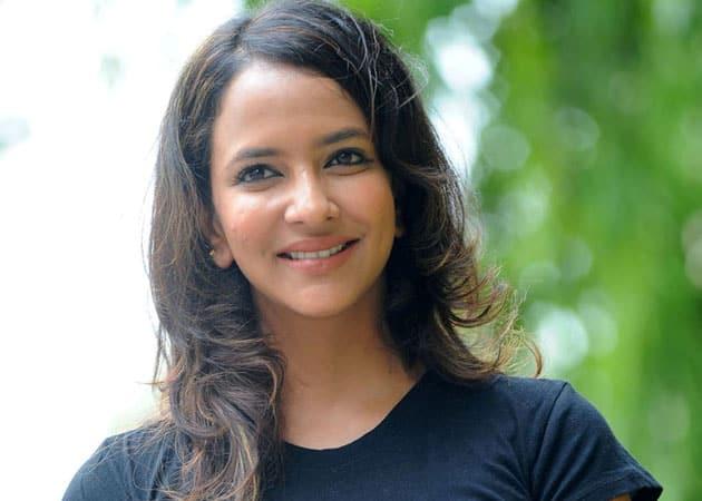 प्रवीण सत्तारू ने लक्ष्मी मांचू को किया एक फिल्म का प्रोमिस
