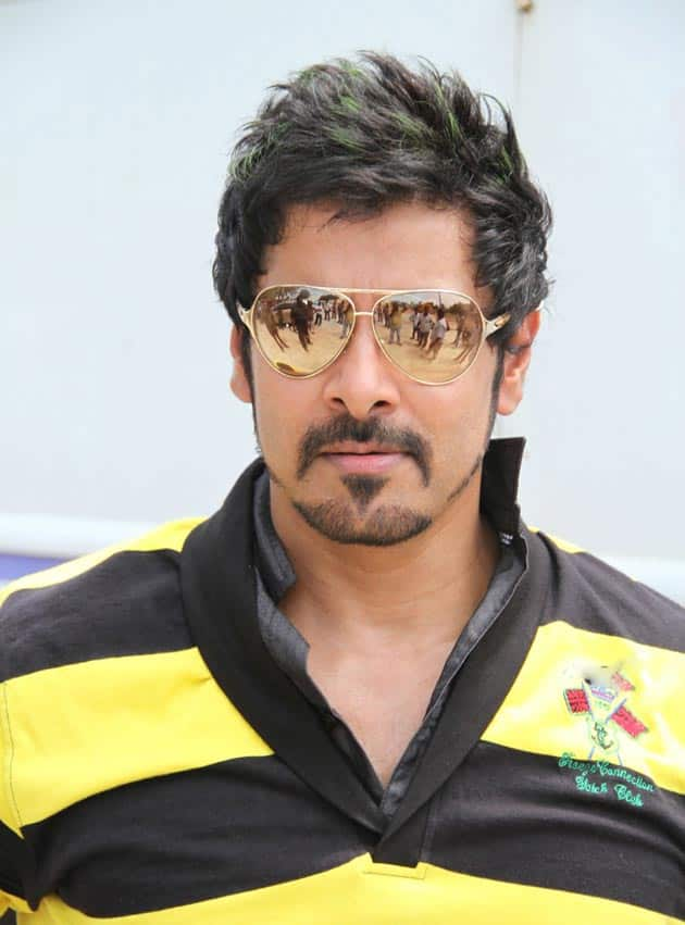 Why Vikram Chose To Act In 10 Endrathukulla