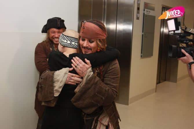 लेडी सिलेंटो चिल्ड्रेन्स हॉस्पिटल के बच्चों को जैक स्पैरो ने किया सरप्राइज