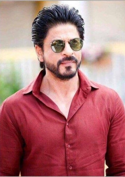 Shah Rukh Khan Injured His Back On His Way To Kolkata To Promote His Latest