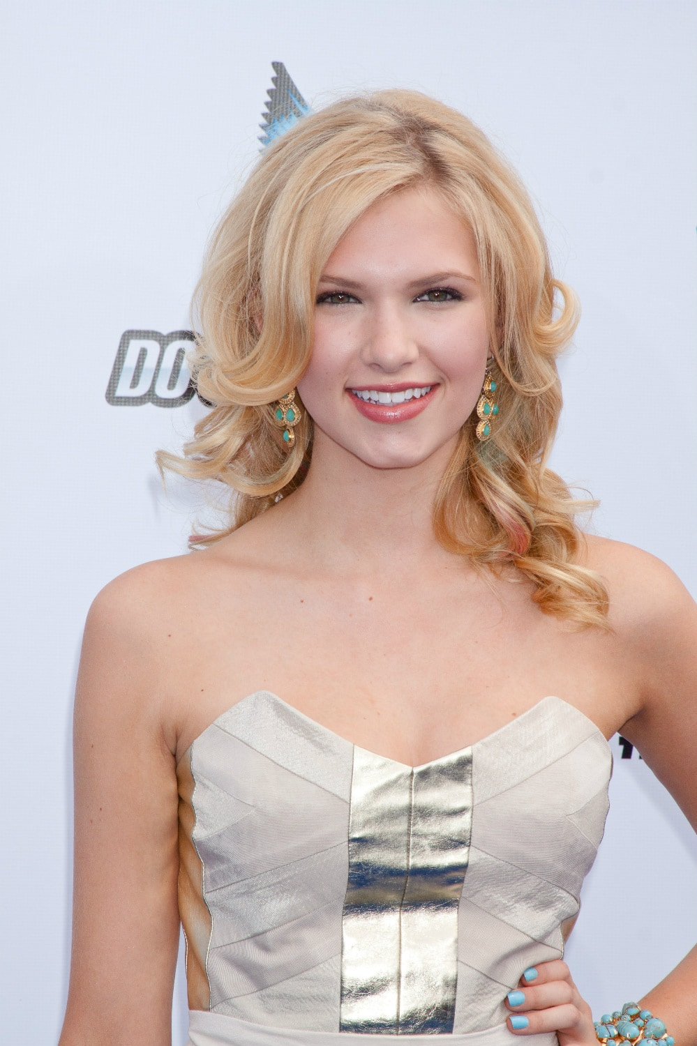 Claudia Lee To Star In Skateboarding Film 'Paved New World'