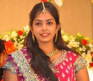 Jyothi Krishna's wife S. Aishwarya To Debut As Singer