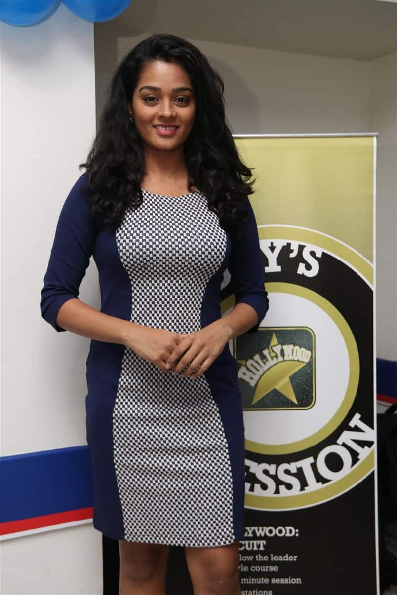 Gayathrie Roped In For Aneethi Kathaigal