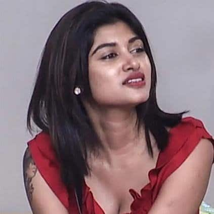 Oviya And Vedhika Roped In For 'Kanchana 3'