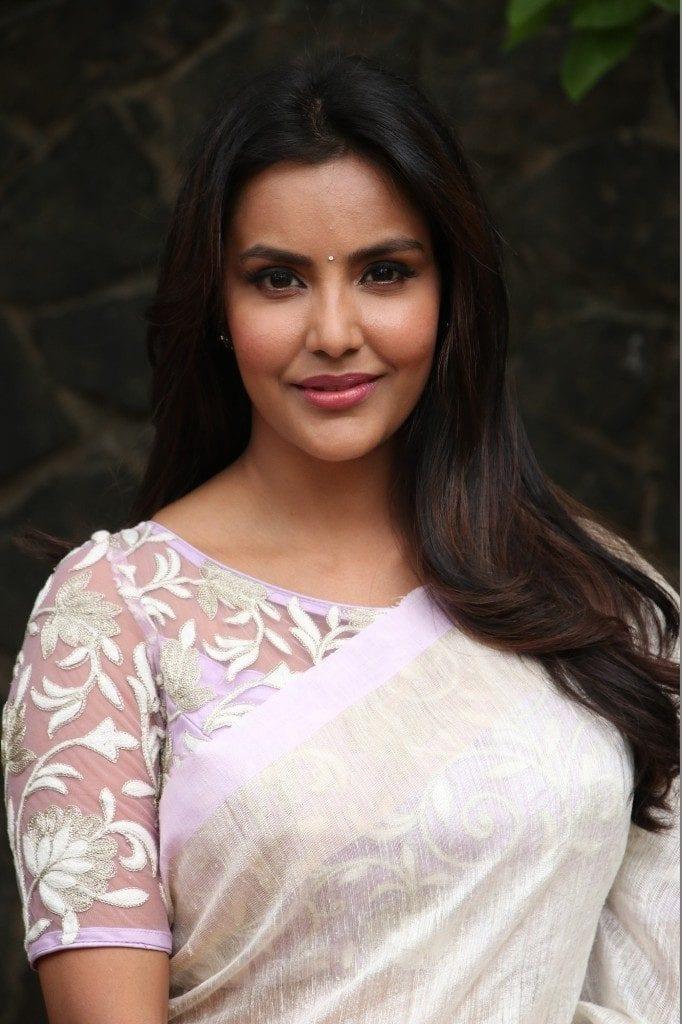 Priya Anand Rejected Three Films For Kayamkulam Kochunni