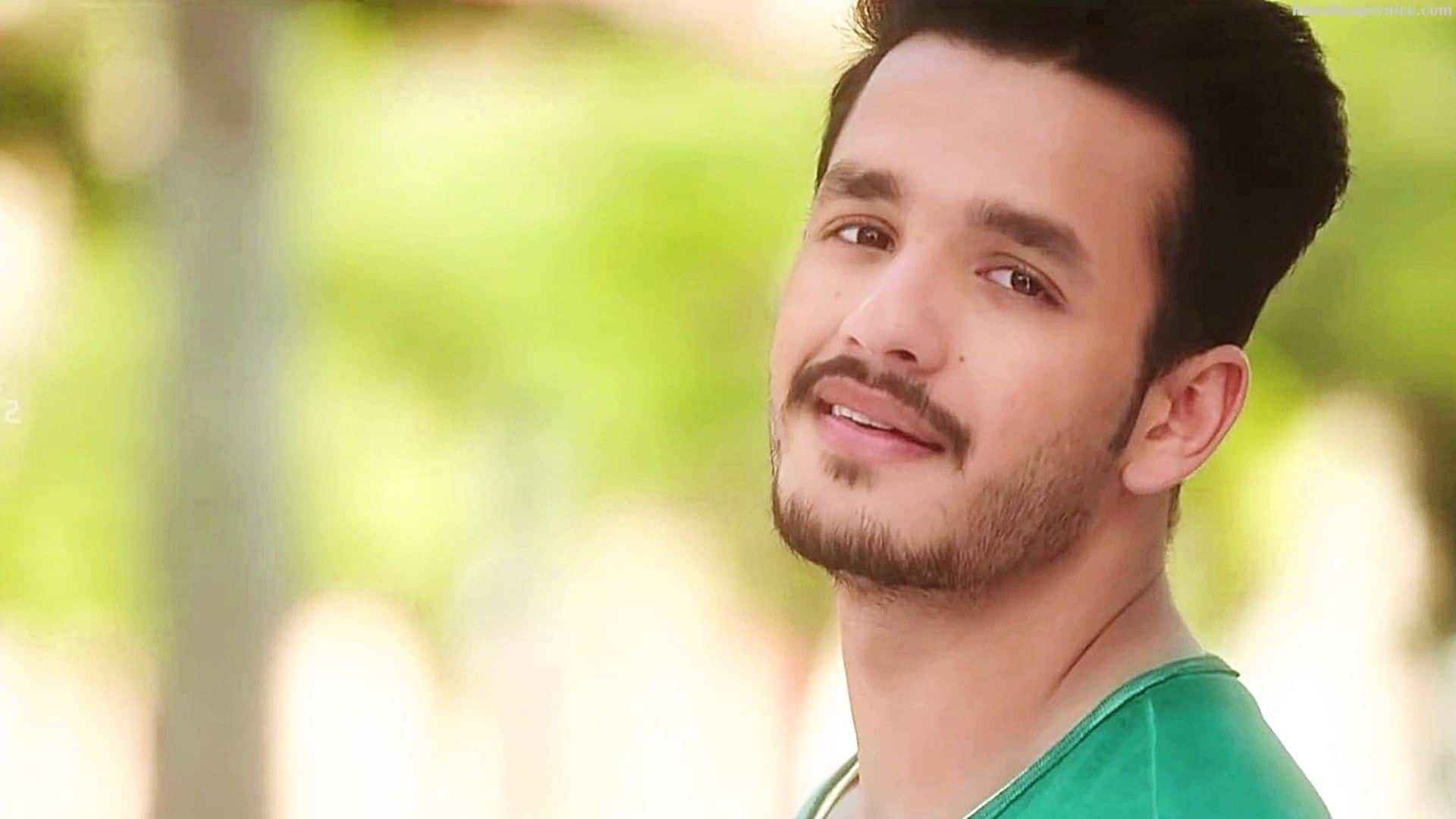 Nagarjuna Wants Vikram To Direct Akhil Starrer 'Rangula Ratnam'