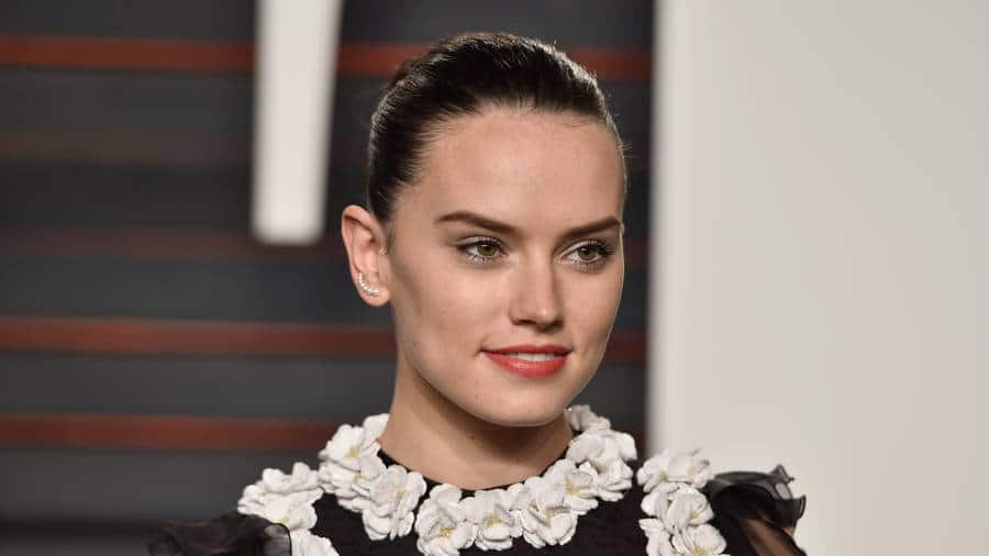 Daisy Ridley Went Through Therapy To Cope With Crippling Fame