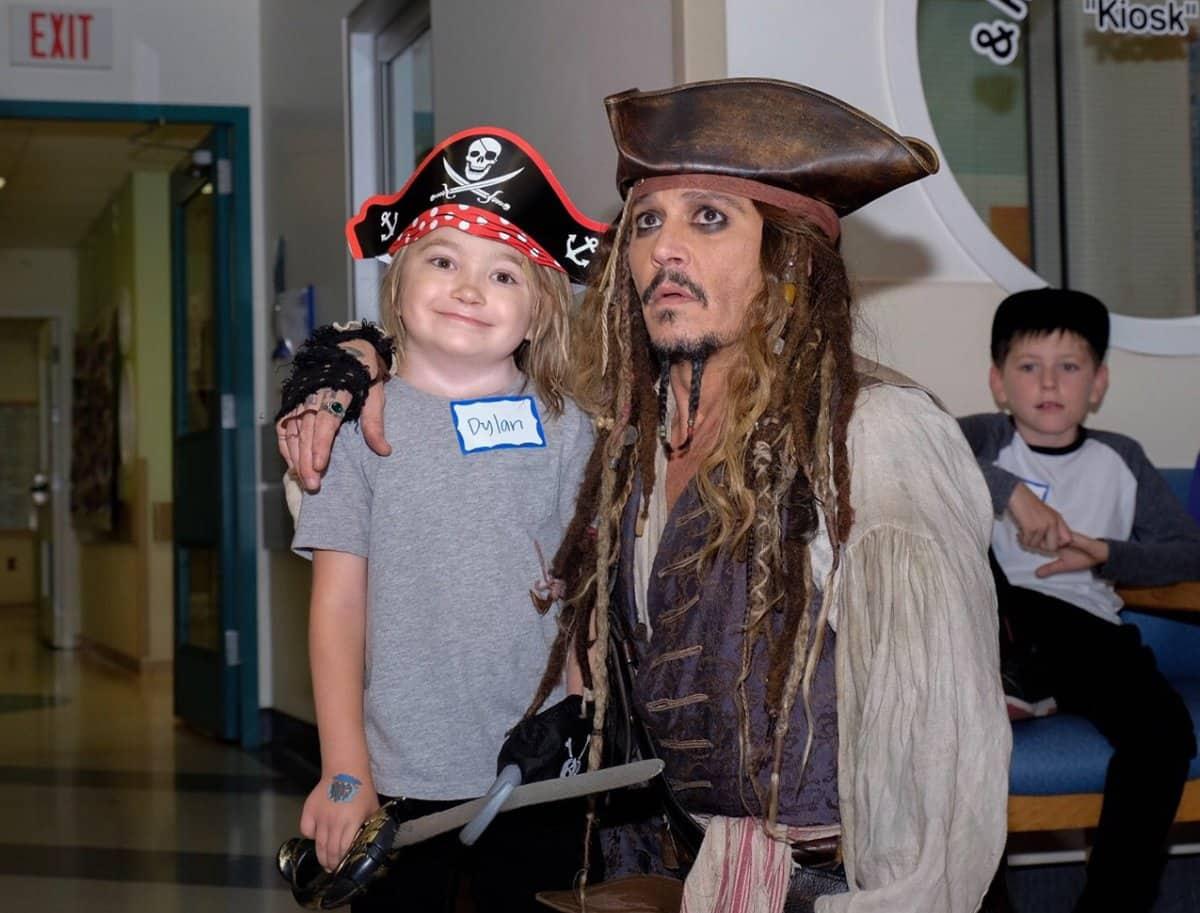 Johnny Depp Visits Children's Office As Jack Sparrow!