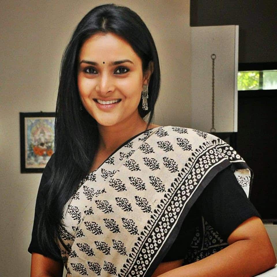 After A Failed Political Career, Ramya To Make A Comeback To Films