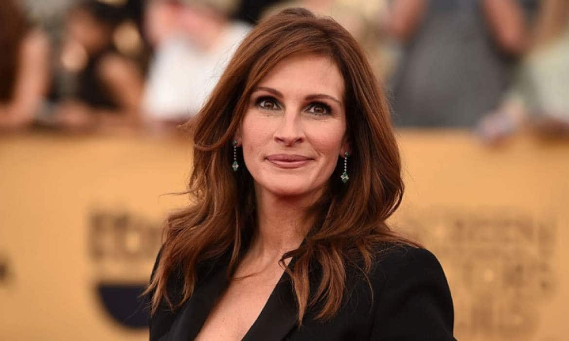 Wonder is a Superhero Movie: Julia Roberts