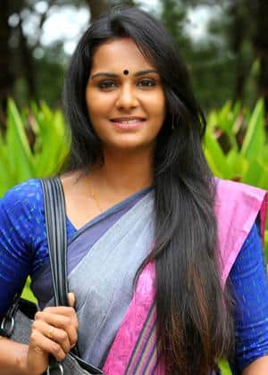 Lakshmi Priyaa Chandramouli Signs Her Next With Sarathkumar