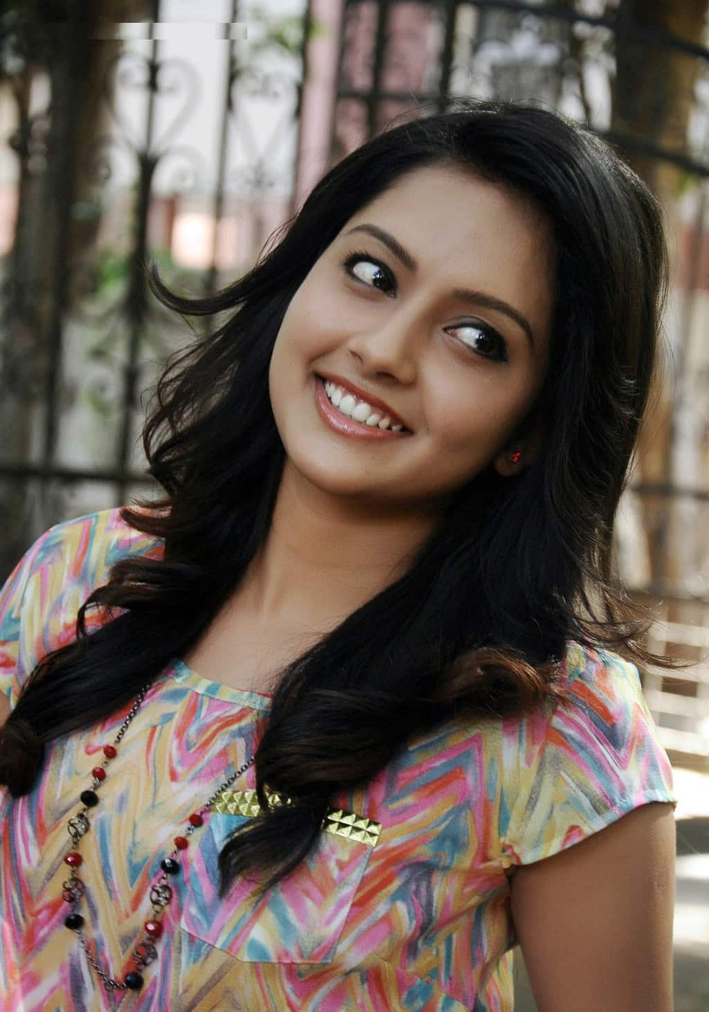 Mahima Nambiar Plays A Village Girl In Annanukku Jay