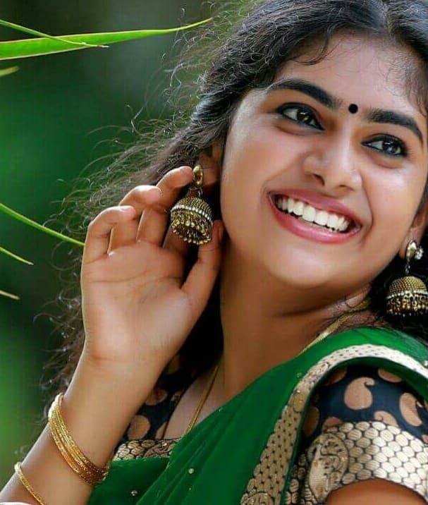 Sou Sadanandan Ropes Nimisha And Kunchacko For Her Directorial Debut