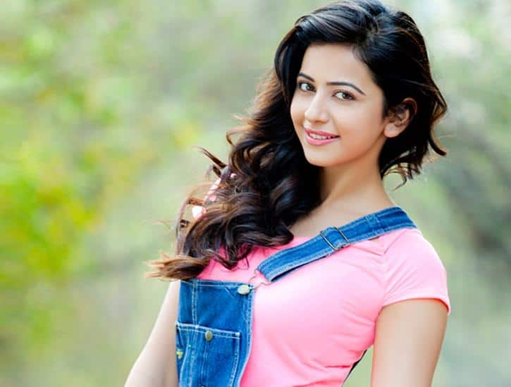 I Am Not Insecure Of Other Actresses: Rakul Preet Singh