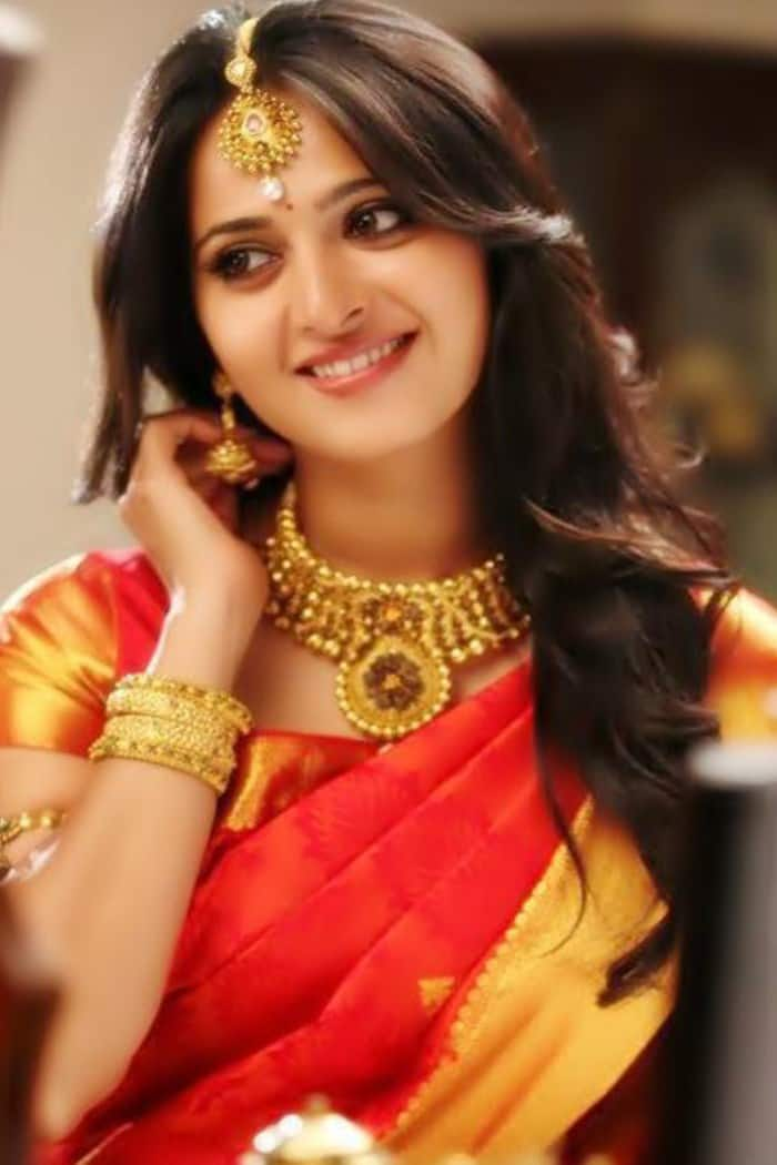 E Niwas S Next Bollywood Flick To See Anushka Shetty In