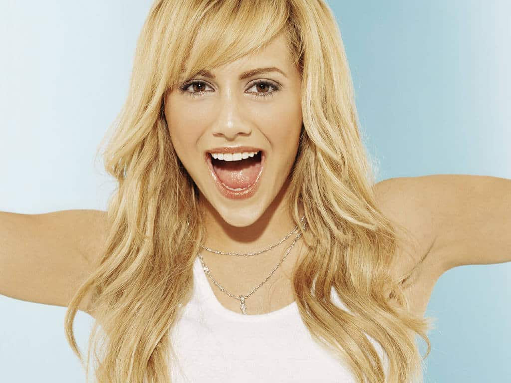 Brittany Murphy Nude Photos 28