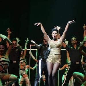 This Is How Much Priyanka Chopra Charges Per Minute For A Stage Performance?