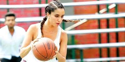 Here's Why Mohit Suri Changed Shraddha's Character, Riya's Backstory In Film Adaptation Of Half Girlfriend!