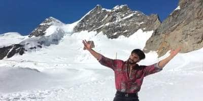 Watch: A Shah Rukh Khan Moment Ranveer Singh HAD To Relive In Switzerland!