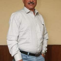 Ashok Pandian Loses His Tempo With Rajini Around
