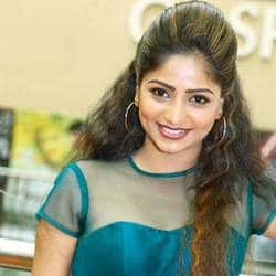 Rachita Ram In Kannada Remake Of 'Velaiilla Pattadhari'?