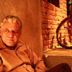 Om Puri recovering well from typhoid, discharged from hospital