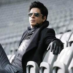 Shah Rukh banned from entering Wankhede for five years by MCA