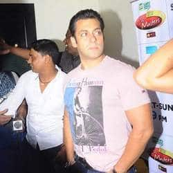 Salman Khan wants Shah Rukhs films to do well