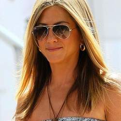 Jennifer Aniston planning to start production company with boyfriend Theroux