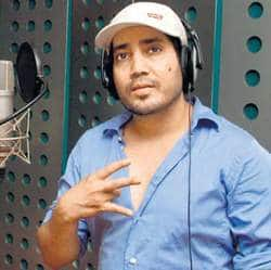 Mika wants to do playback for Amitabh and Aamir
