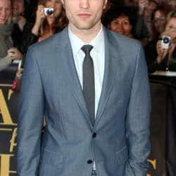 Robert Pattinson finds sex scenes scary