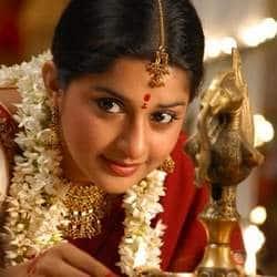 Meera Jasmine returning to silver screen with Samuelinte Makka