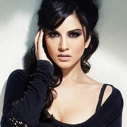 Sunny Leone celebrates 31st birthday on the sets of Jism 2