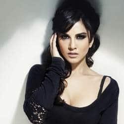 Im a conservative girl: Sunny Leone
