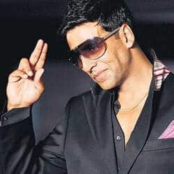 Akshay postpones release date of Khiladi 786 for friends Ajay, SRK?