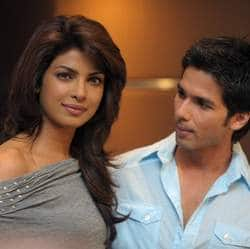 Priyanka Chopra finds a new driver in Shahid Kapoor?