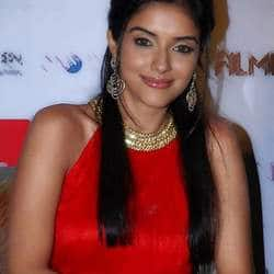 Asin, though choosy, is glad to have starred opposite Bollywood biggies