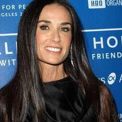 Demi Moore stalls divorce proceedings?