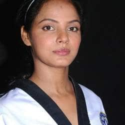 Neetu Chandra wants women to stand up for themselves