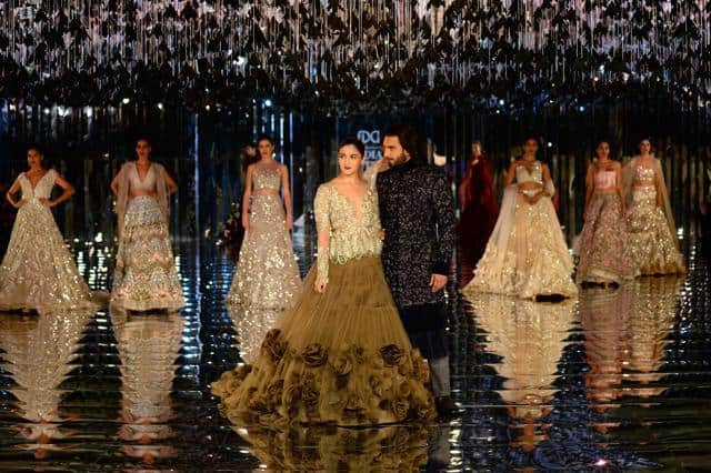 ICW 2017: Alia Bhatt And Ranveer Singh Look Royal As They Turn Showstoppers For Manish Malhotra!