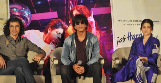 Imtiaz Ali And Shah Rukh Khan Talk About The Poor Reviews For Jab Harry Met Sejal!