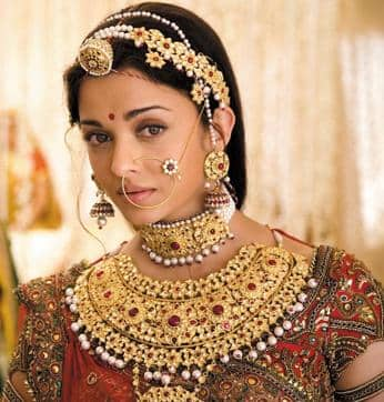 What Happens When You Combine Dhanteras And Bollywood...Exquisite Jewellery!